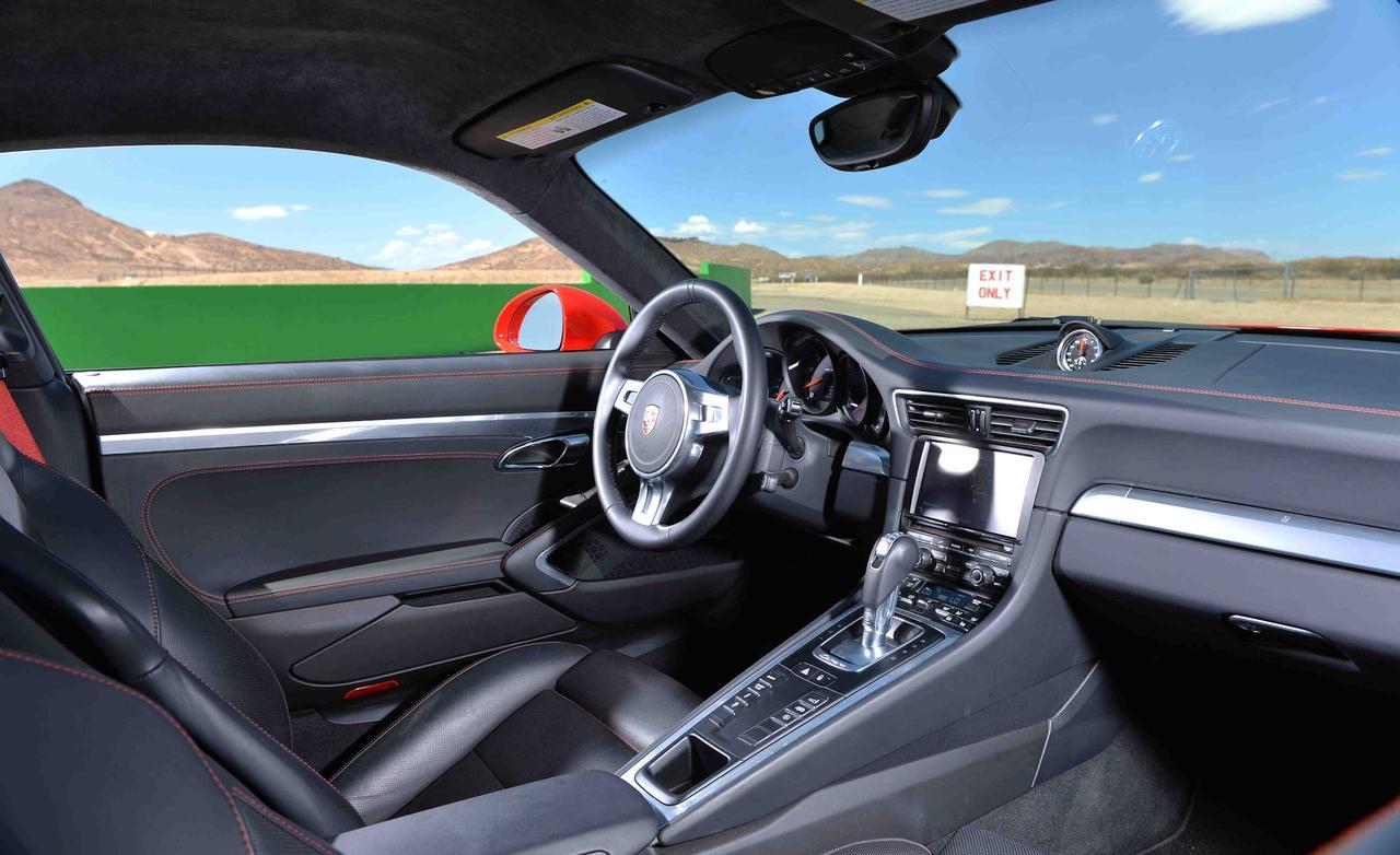 Porsche 911 Carrera S 991 салон