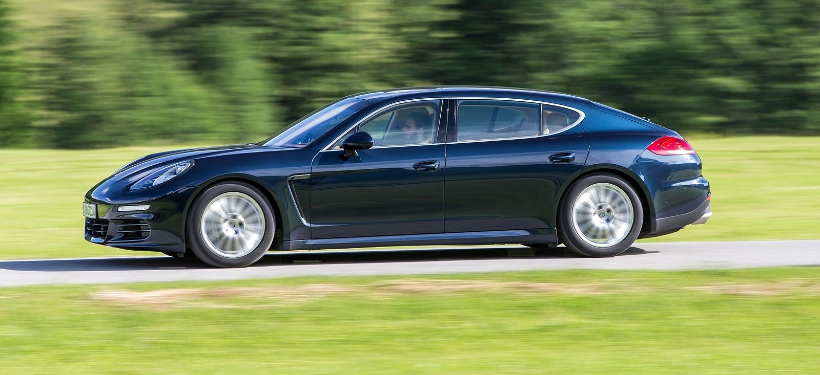 Porsche-Panamera-4S-Executive-test-drive-Drive-my.ru-2013-01
