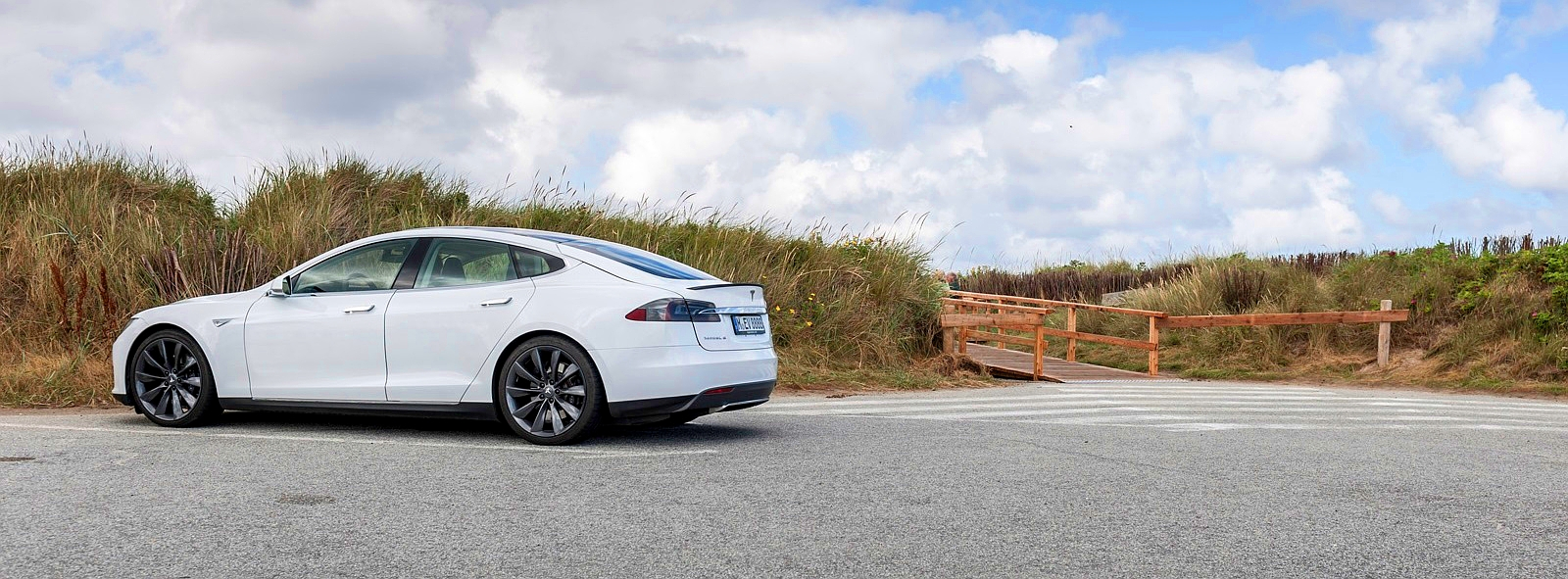 Tesla Model-S набирает обороты