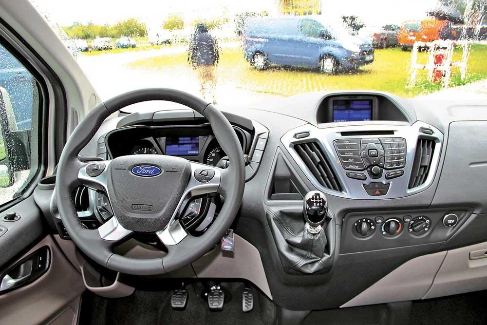Ford Tourneo Custom 2,2TDCi 2014