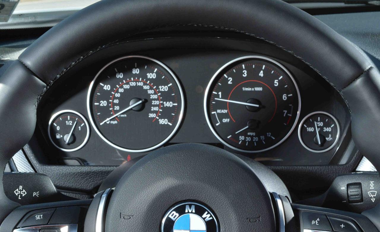 Детали и нюансы BMW 320i F30
