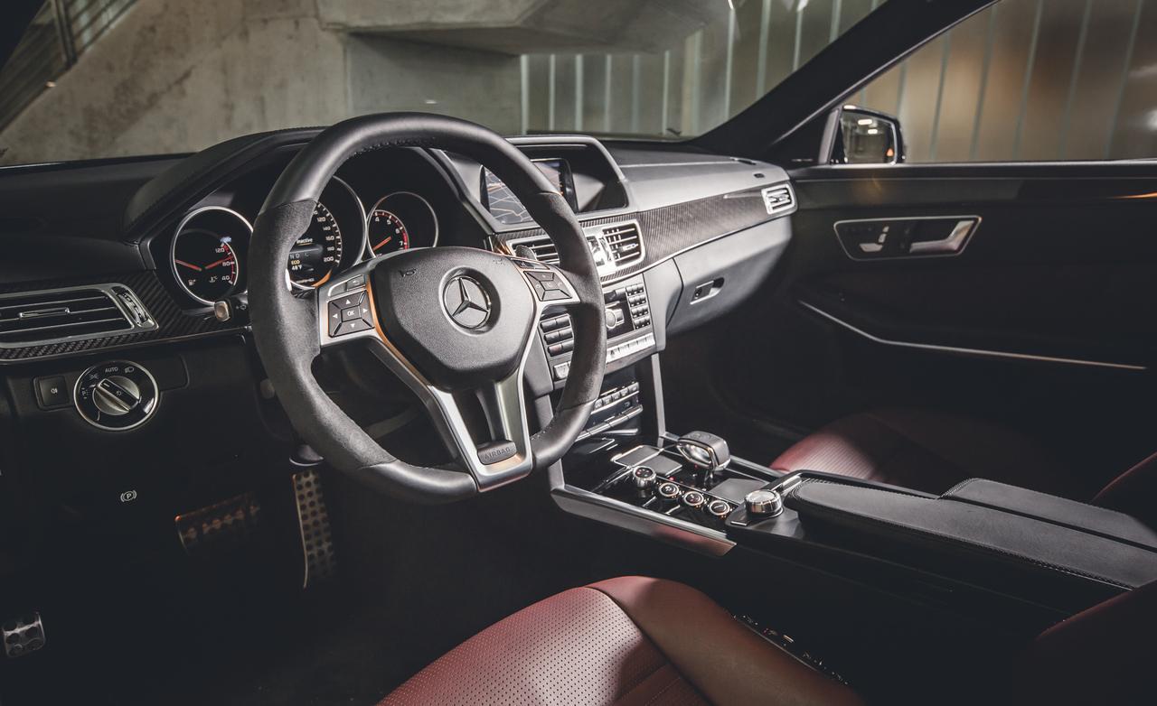 салон Mercedes-Benz E63 T AMG S 4MATIC