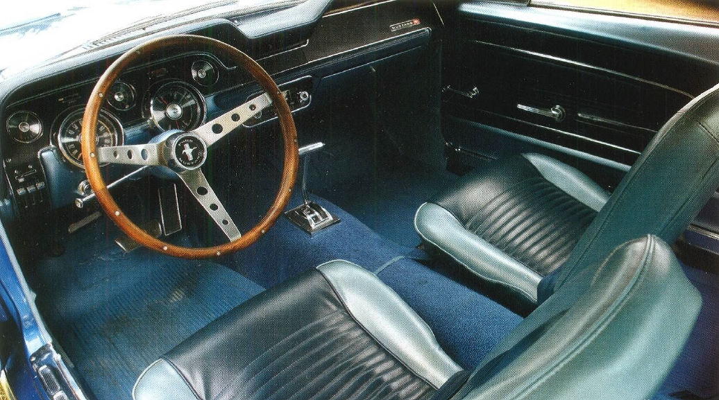 Ford Mustang 1967 салон