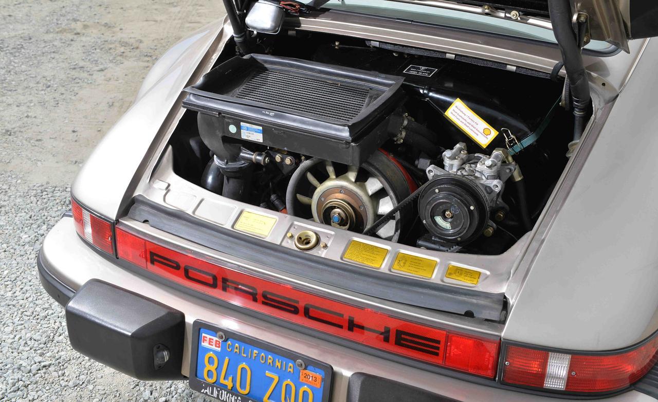 Porsche 911 Turbo 930 1978 - двигатель