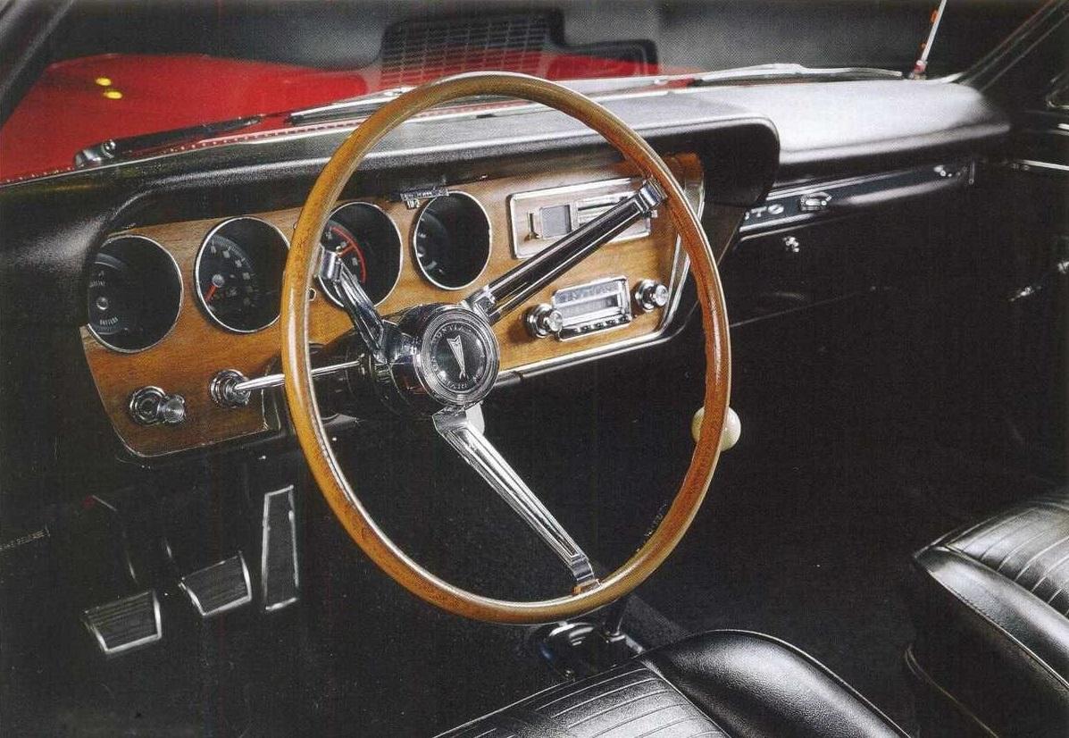 салон Pontiac GTO - 1966 года