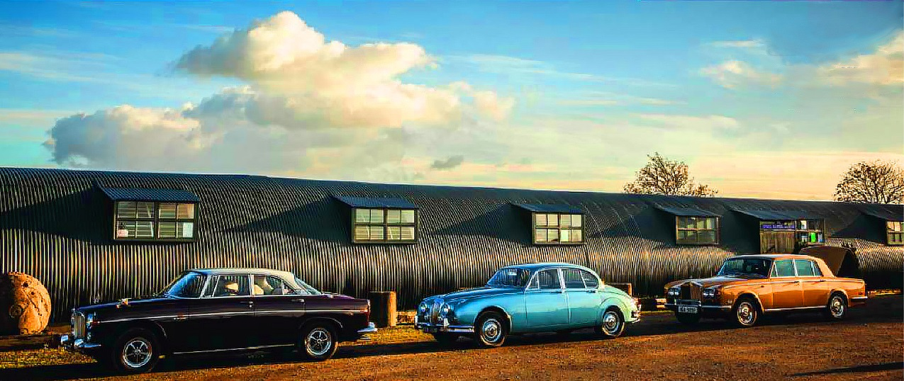 Rolls-Royce Silver Shadow vs Rover 3.5 Litre Coupe and Daimler V8-250