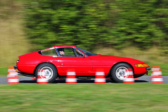 Ferrari 365 GTB/4 Daytona на испытательном треке