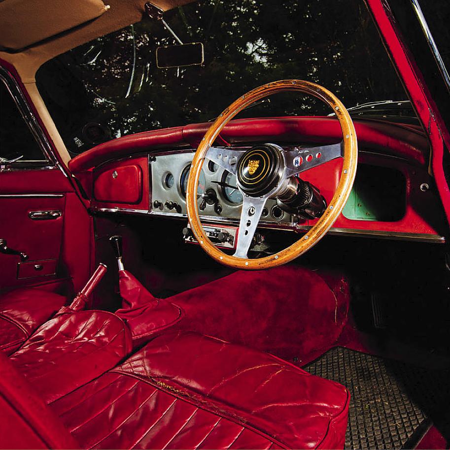 Jaguar XK150 interior