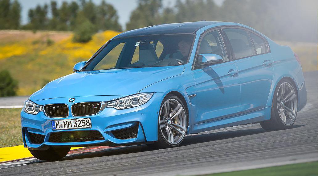 BMW M3 F30 в повороте