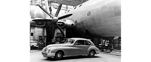 Bristol 401 with imposing backdrop of Brabazon at Filton factory