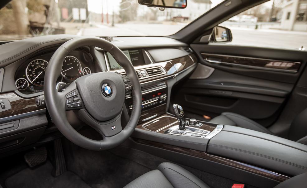 BMW 750i серии F01/F02
