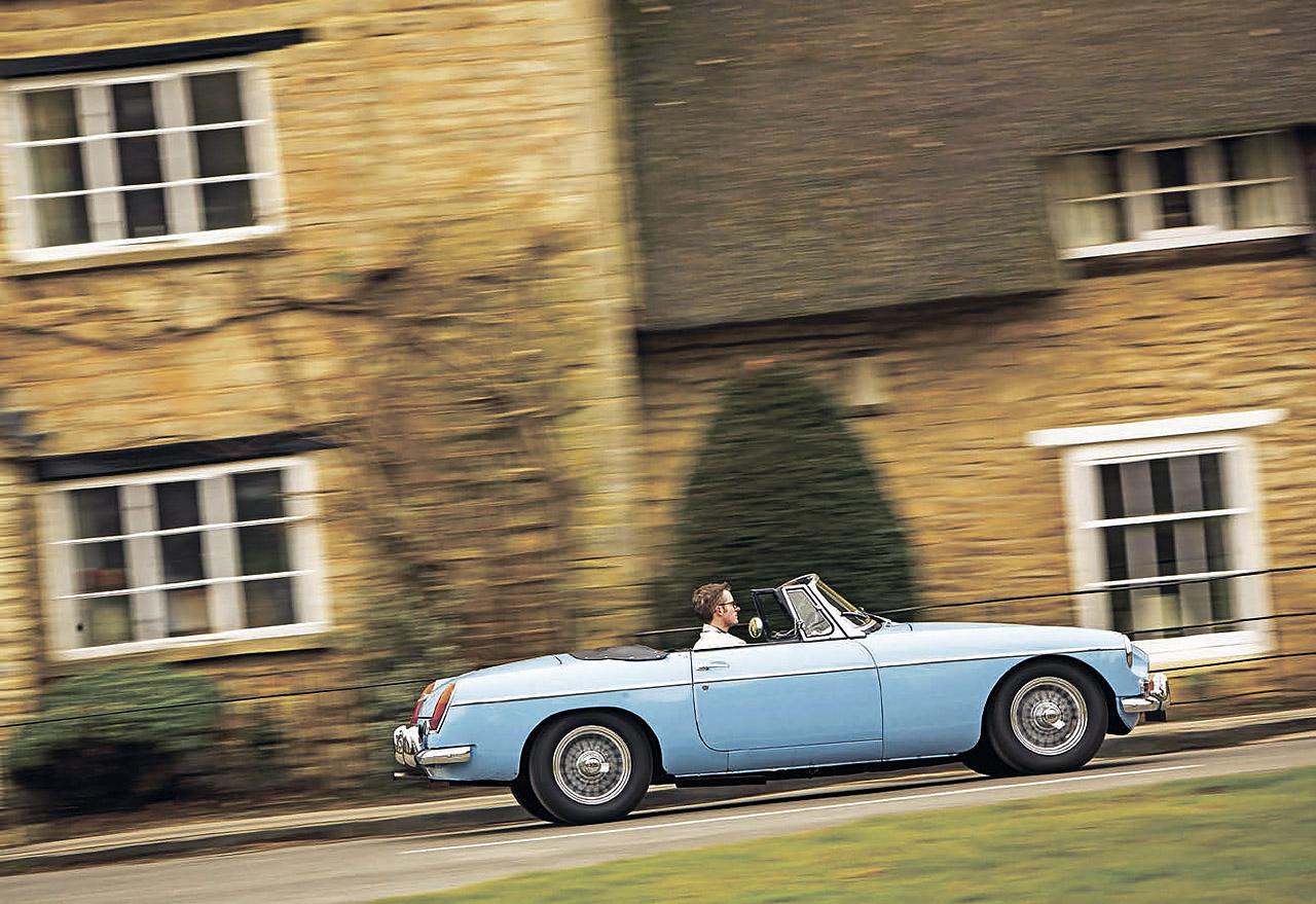 1964 MGB road test - profile
