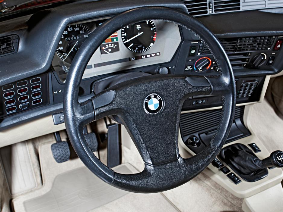 BMW 635CSi E24 interior