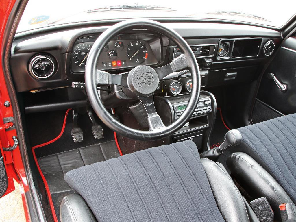 Ford Escort Mk2 RS2000 - interior