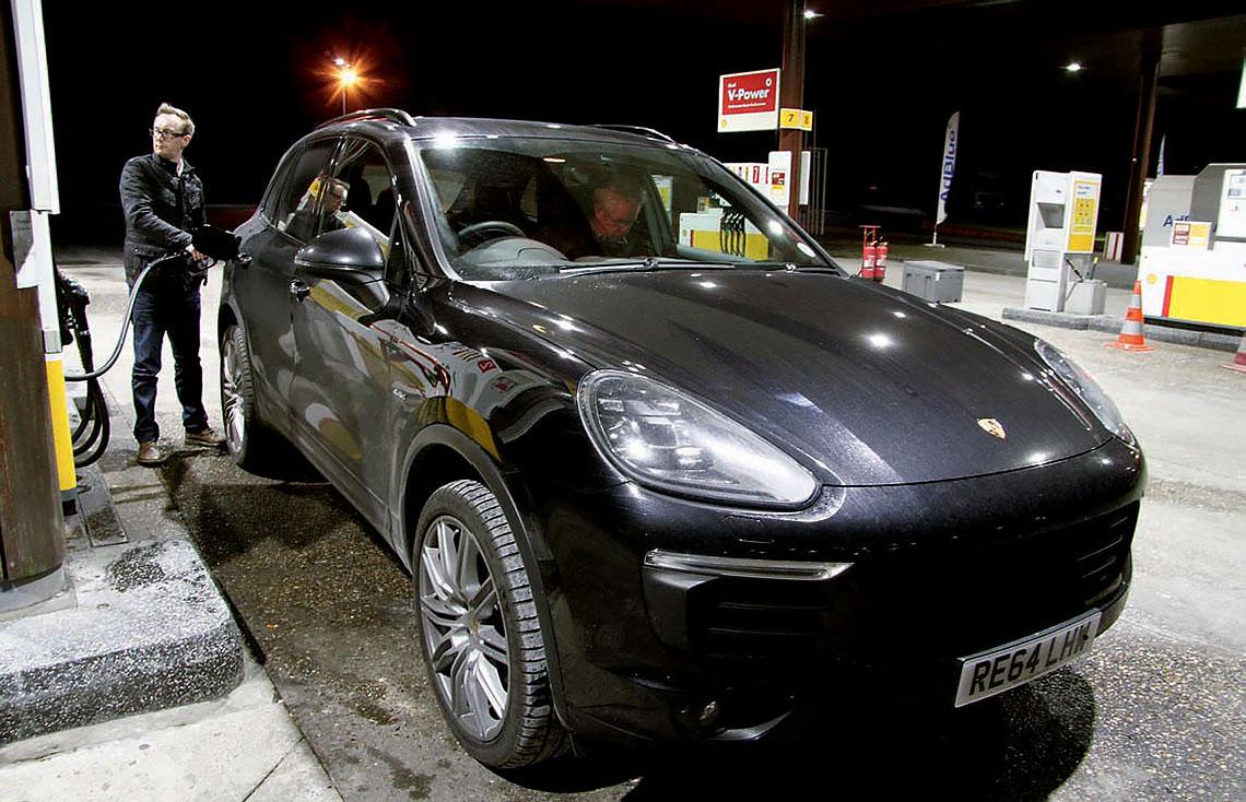 2015 Porsche Cayenne S Diesel V8 4.2 road test - 385hp Eurostar