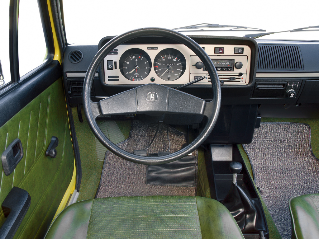 Volkswagen Golf Mk1 interior and dash