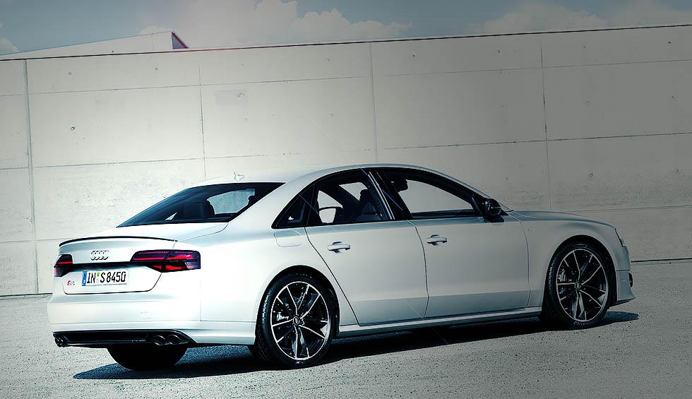2016 Audi S8 plus - driven