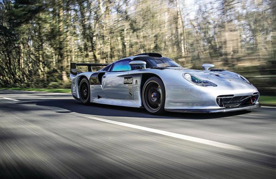 1997 Porsche 911 GT1 road test