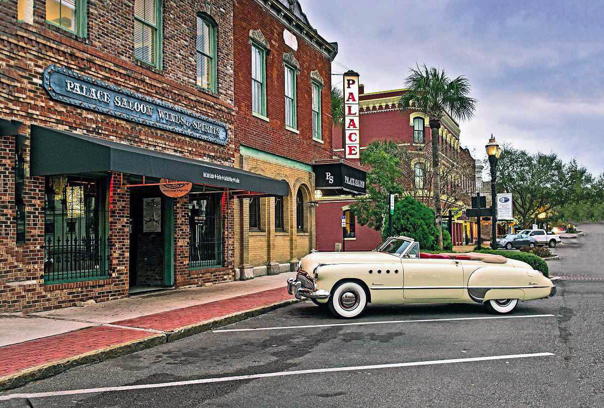 1949 Buick Series 70 Roadmaster Convertible road test restored Dustin Hoffman and Tom Cruise movie car