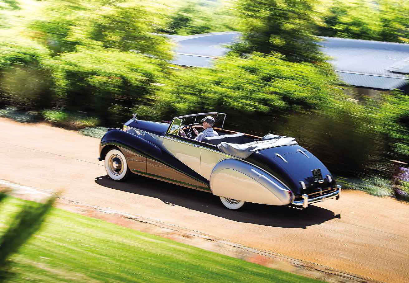 1952 Rolls-Royce Dawn Drophead Coupé by Park Ward