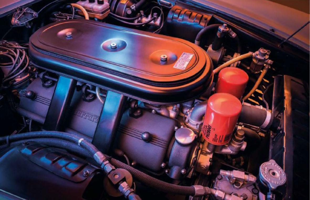 Ferrari 365 California engine V12
