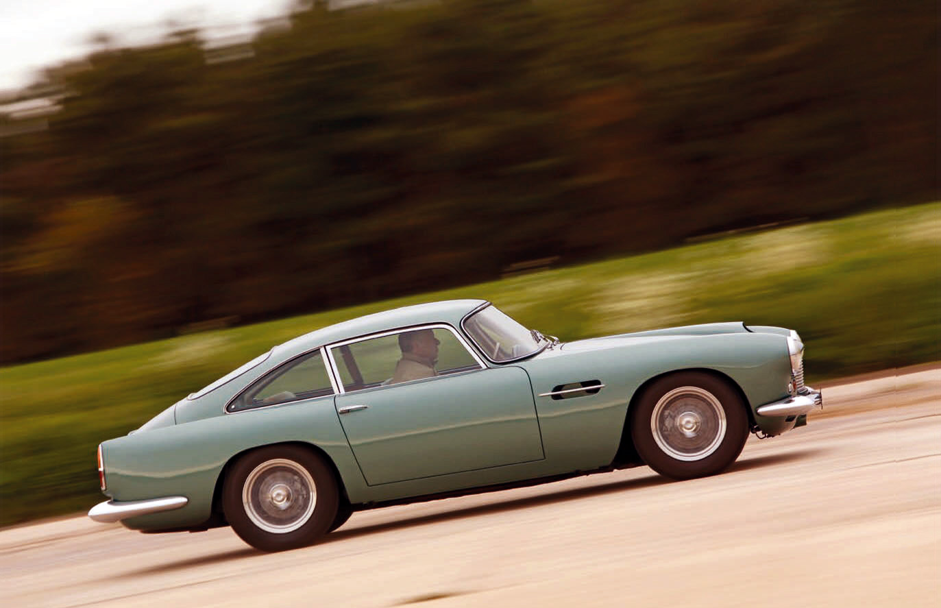 Aston Martin DB4 road test