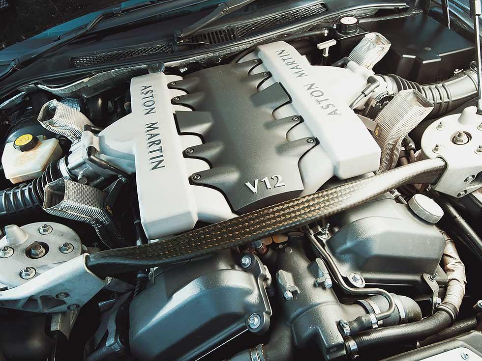 2003 Aston-Martin Vanquish