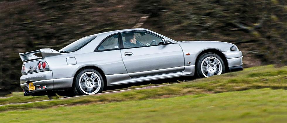 Nissan Skyline GT-R V-Spec (R32) road test