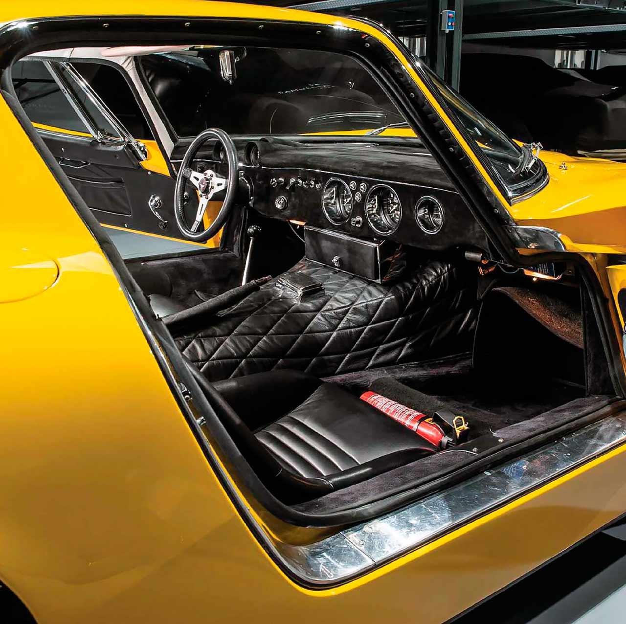 1966 Bizzarrini 5300 GT Strada interior