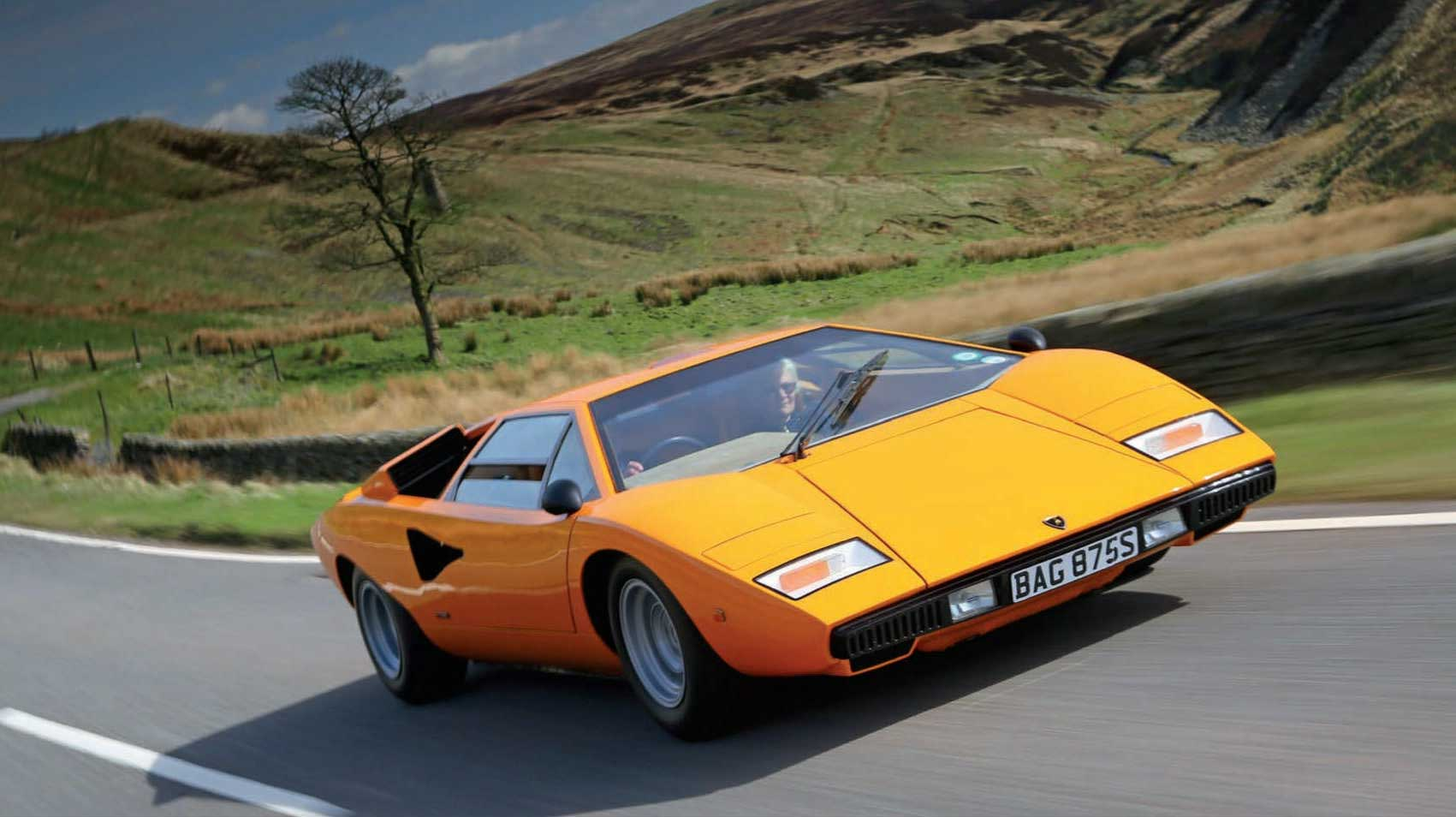 Lamborghini Countach LP400 road test