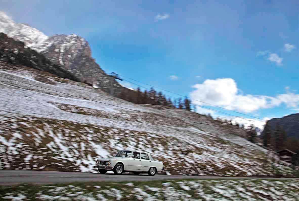 1969 Alfa Romeo Giulia 1300 Berlina road trip