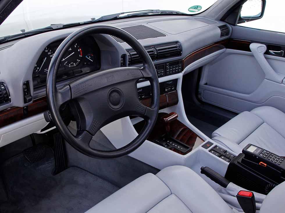 BMW 750iL E32 interior