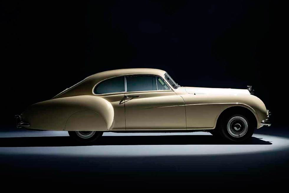 1953 Bentley R Type Continental Fastback profile