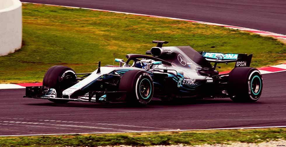 Mercedes unveils new car for 2018 Formula 1 season
