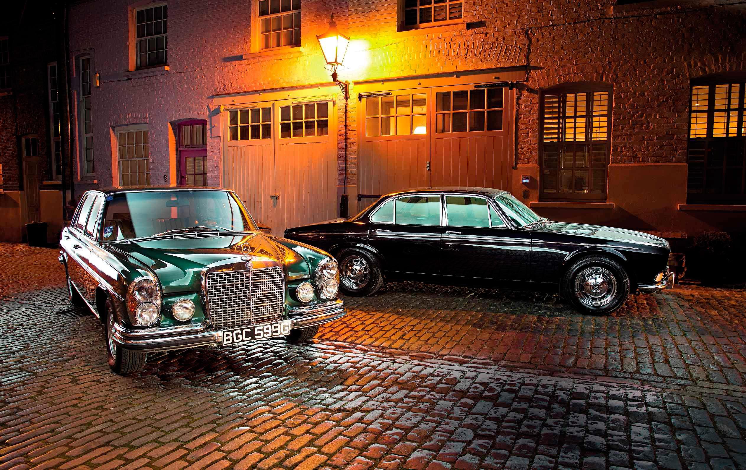 1972 Daimler Double Six vs. 1969 Mercedes-Benz 300SEL 6.3 W109