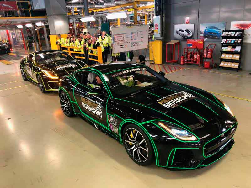 Jaguar Land Rover has strengthened its commitment to the armed forces with the donation of two F-TYPE sports cars to Mission Motorsport.