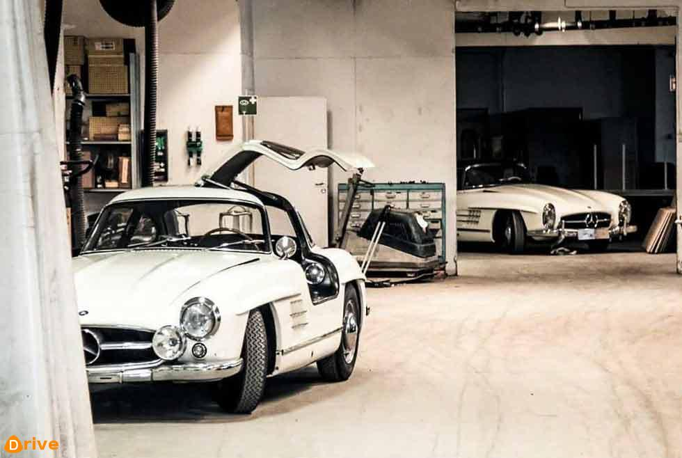 Barn Finds - 'Inheritance battle' Mercedes-Benz 300SLs W198 freed month in cars