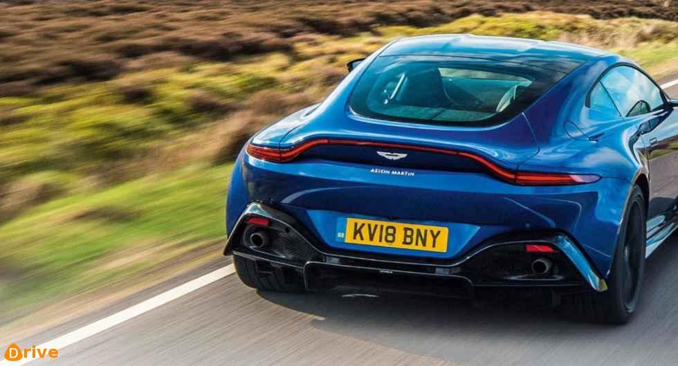 2019 Aston Martin Vantage 02