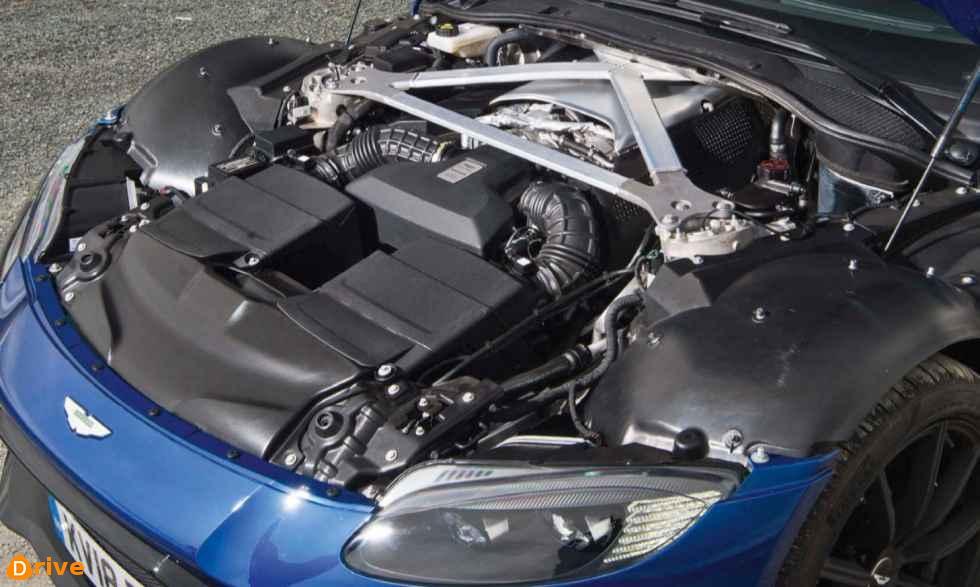 2019 Aston Martin Vantage 04