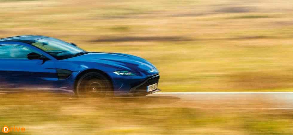 2019 Aston Martin Vantage 05