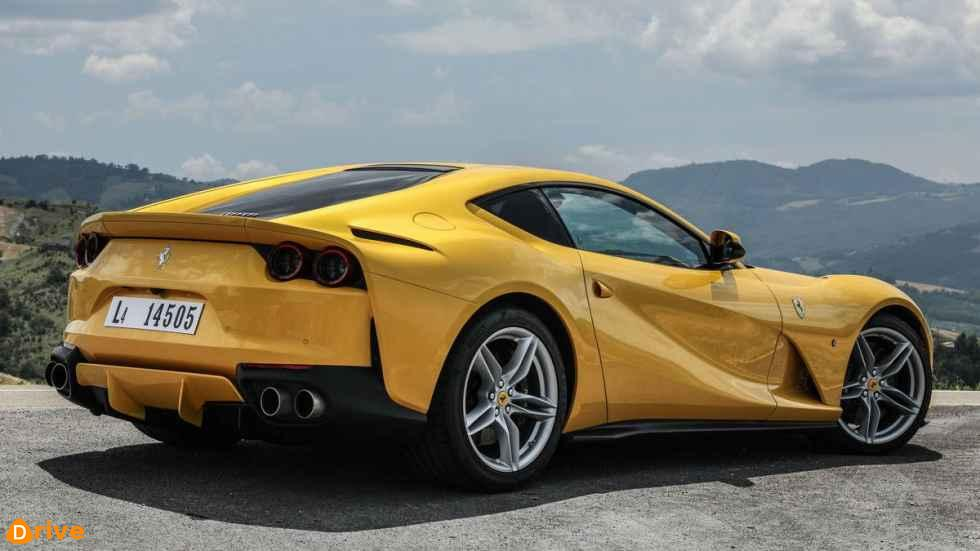 2019 ferrari 812 superfast 02