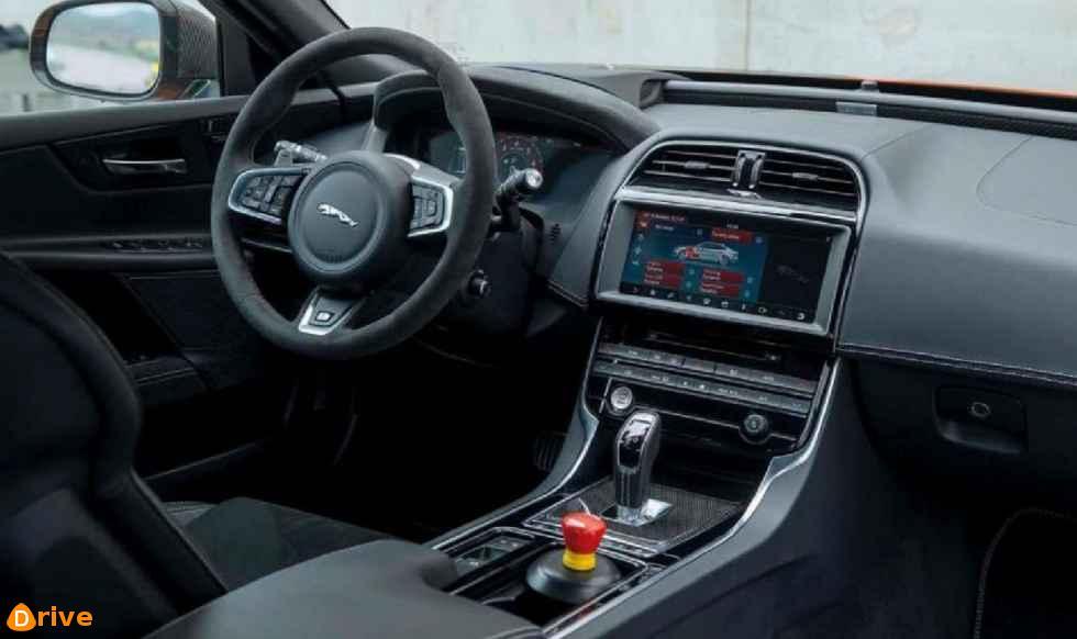 2019 Jaguar XE S interior