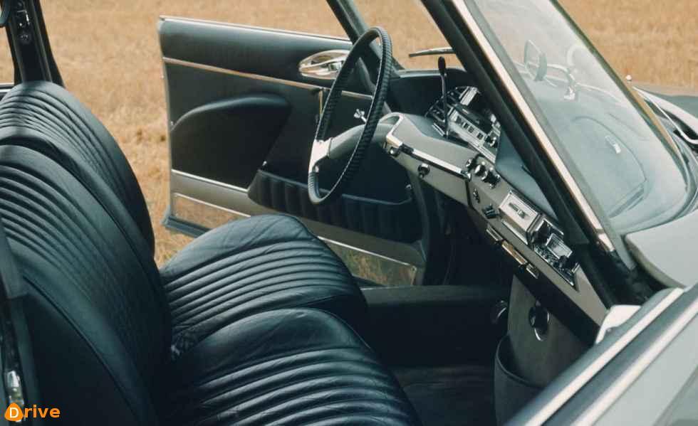 1966 Citroën DS 19 interior