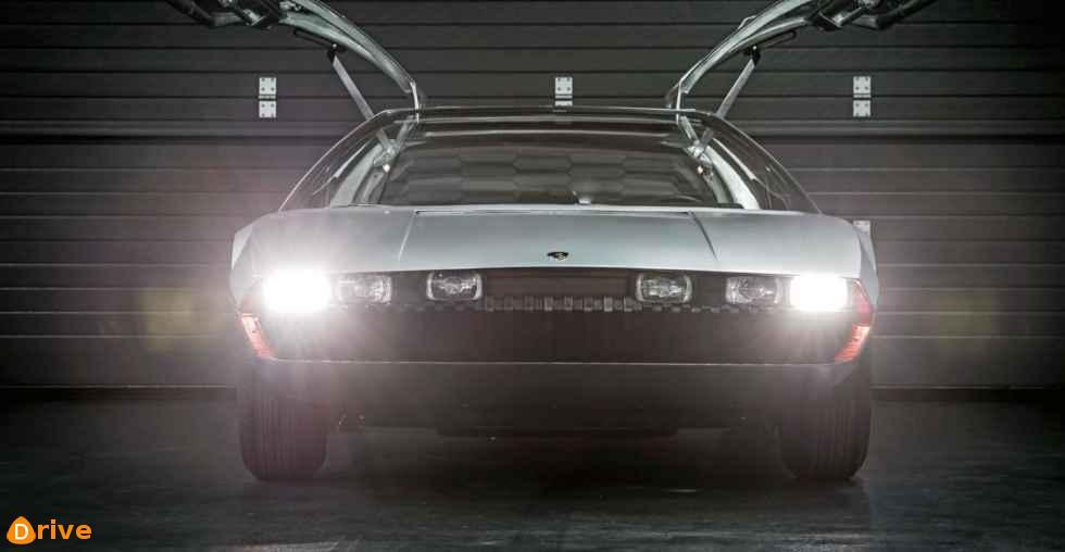 1967 Lamborghini Marzal turn on headlights