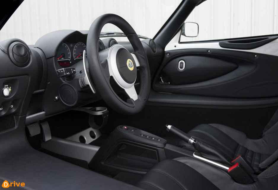 2019 Lotus Elise interior