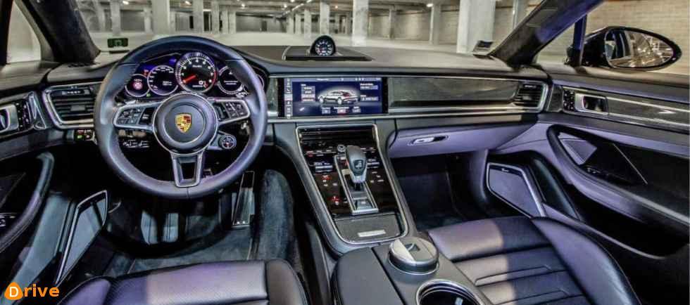 2019 Porsche Panamera Turbo Sport interior