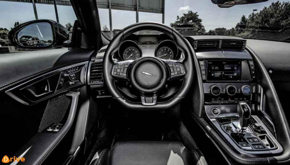 2019 Jaguar F Type 2.0 interior