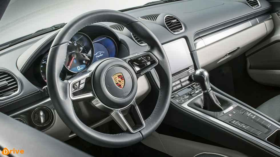 2019 Porsche 718 Cayman Interior