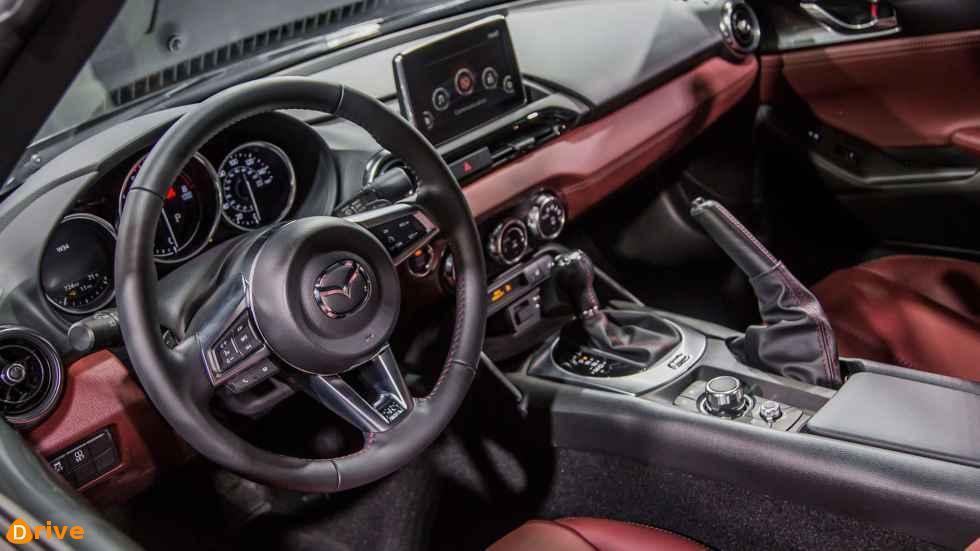 2019 Mazda MX 5 interior