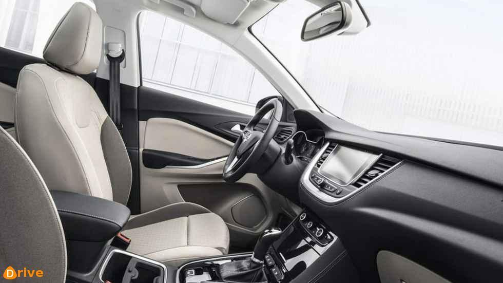 2019 Opel Grandland X interior